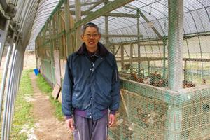 ふじたに農鶏苑の冨士谷さん
