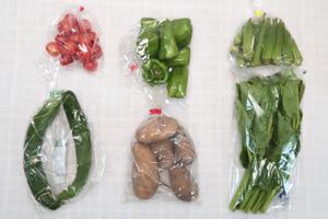8月20日の無施肥無農薬栽培と自然栽培の定期宅配Sセット/ジャガイモ(メークイン)、キュウリ、ピーマン、オクラ、ツルムラサキ、ミニトマト